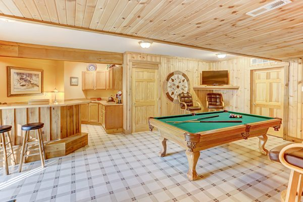 Cherry Ridge Retreat of Hocking Hills The Lake House pool table