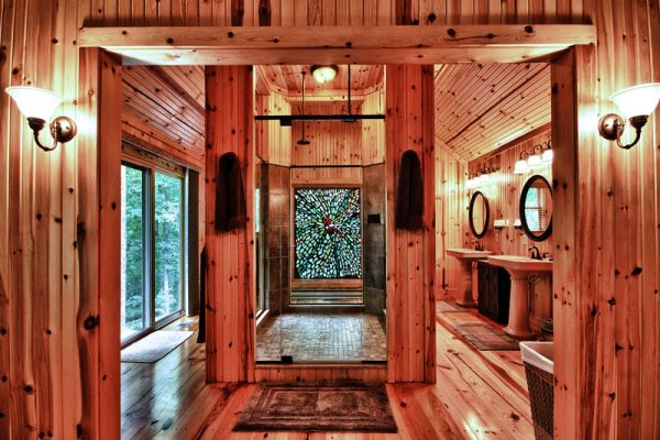 Cherry Ridge Retreat of Hocking Hills Ravines Edge luxury cabin living space