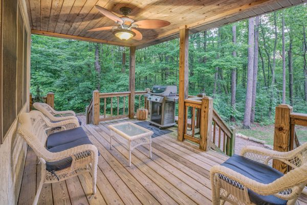 Cherry Ridge of Hocking Hills Waters Edge outdoor patio