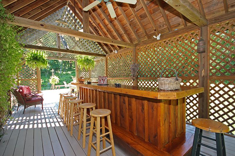 Cherry Ridge Retreat Grounds outdoor covered bar area
