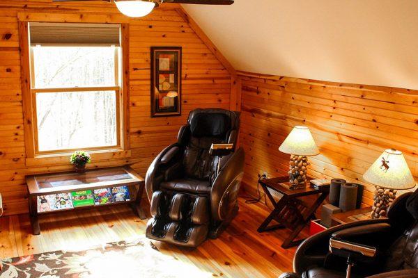 Oak Ridge - A Romantic Two-Person Spa Cabin in Hocking Hills Ohio Massage Therapy Room