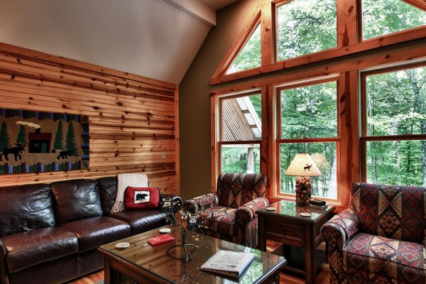 Oak Ridge - A Romantic Cabin in Hocking Hills Ohio Interior View