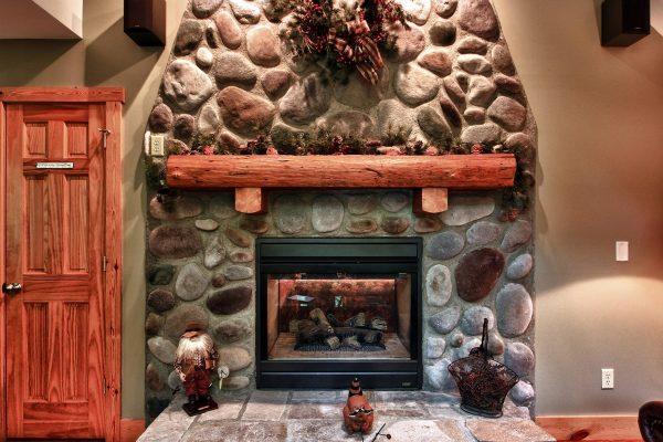 Oak Ridge - A Oak Ridge - A Romantic Cabin in Hocking Hills Ohio Cabin in Hocking Hills Ohio Fireplace