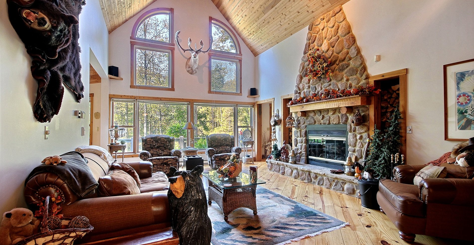 The Lake House Cabin in Hocking Hills Interior