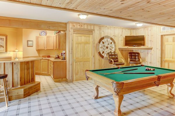 The Lake House Cabin in Hocking Hills Pool Table