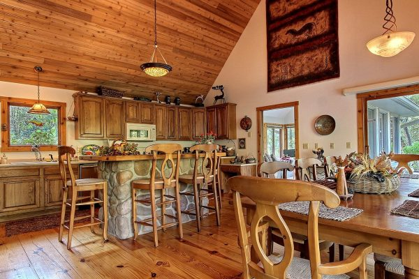 The Lake House Cabin in Hocking Hills Kitchen