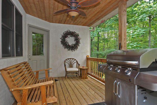 Oak Ridge - A Romantic Two-Person Spa Cabin in Hocking Hills Ohio Deck