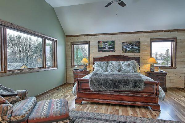 The Observatory Hocking Hills Cabin Bedroom