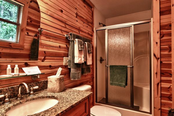 Whispering Pines Hocking Hills Cabin Bathroom