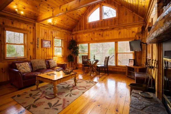 Boat House Romantic Luxury Cabin Living Room