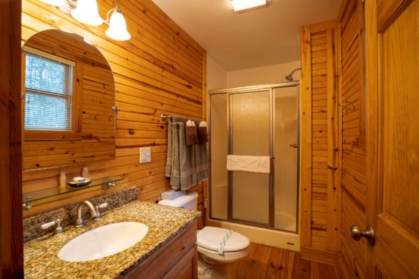 Oak Ridge Luxury Romantic Cabin