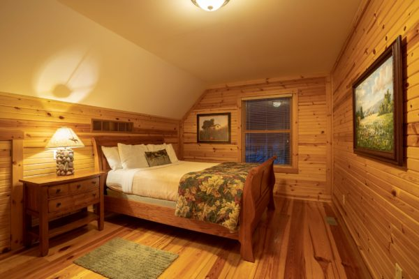 Whispering Pines Luxury Family Cabin